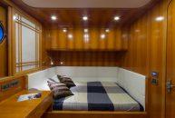 Bering-Yachts-B65-Camarote-3
