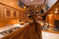 Passport-Yacht-545-Cocina