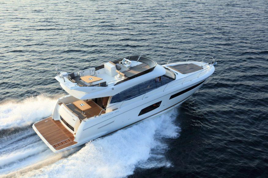 luxury-yachts-PRESTIGE_560_147549190824ext-e4cce393-1