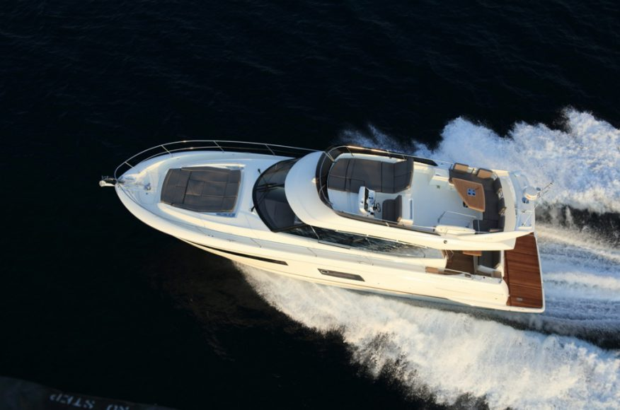 luxury-yachts-PRESTIGE_560_147549191246ext-675df099